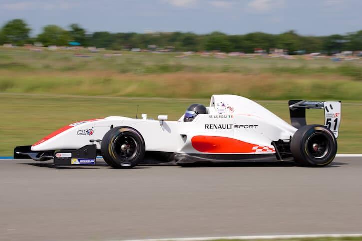 Tamron_150-600mm_test_shot_racing_renault