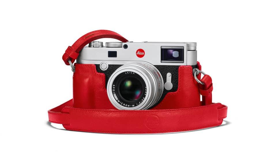 leica m10 camera in het rood
